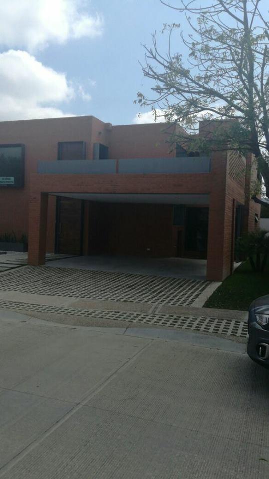 RCV 208 CASA NUEVA EN VENTA RESIDENCIAL SAN PATRICIO
